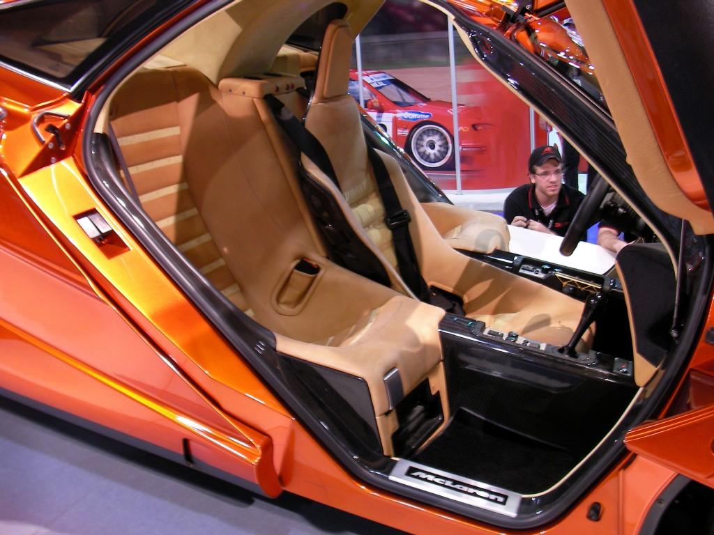Orange_McLaren_F1_interior