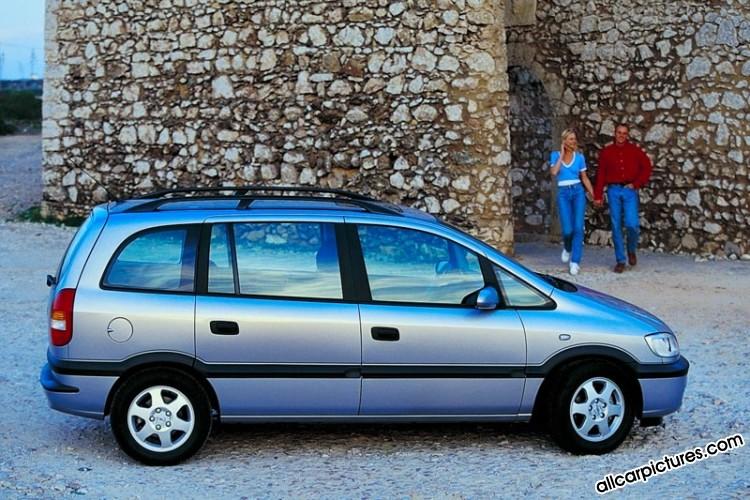 2000_Opel_Zafira-3