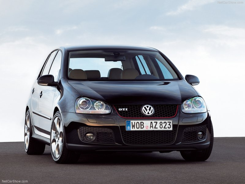 Volkswagen-Golf_GTI_5-door_2004_800x600_wallpaper_03