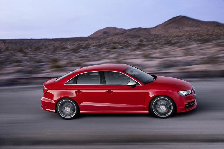 audi-s3-sedan-revealed-with-300-hp-photo-gallery_20