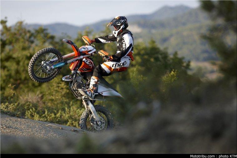 ktm_125exc_enduro_2011_009