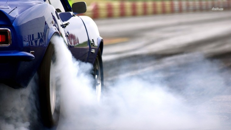 5904-chevrolet-camaro-burnout-1366x768-car-wallpaper