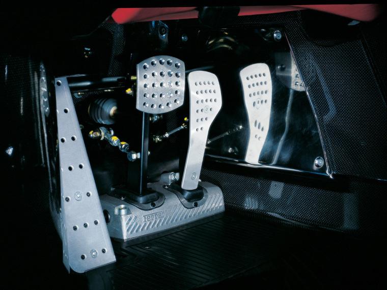 Ferrari-Enzo-Pedals-1280x960