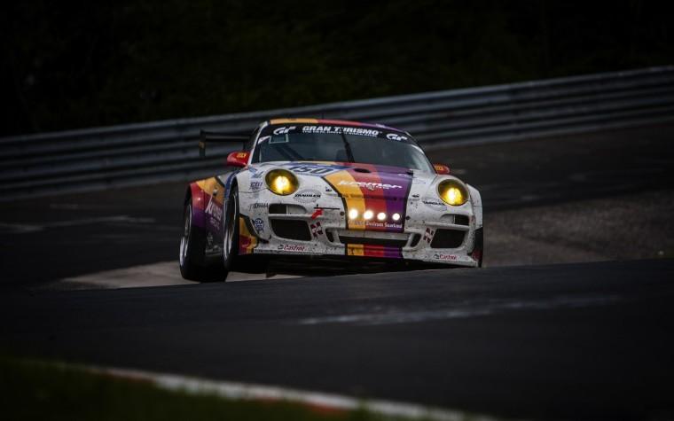 Kremer-Racing-Porsche-997-GT3-Track-Photo