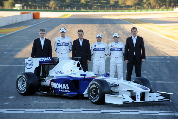 Tuesday, 20 January 2009 Valencia, Spain. L-R Walter Riedl (Managing Director BMW Sauber F1 Team), BMW Sauber F1 Team driver Robert Kubica (POL) Mario Theissen ( BMW Motorsport Director) Nick Heidfeld (GER) in the BMW Sauber F1.09 BMW Sauber F1 Team test and reserve driver Christian Klien (AUT) Markus Duesmann (Head of Powertrain BMW Sauber F1 Team) This image is copyright free for editorial use © BMW AG