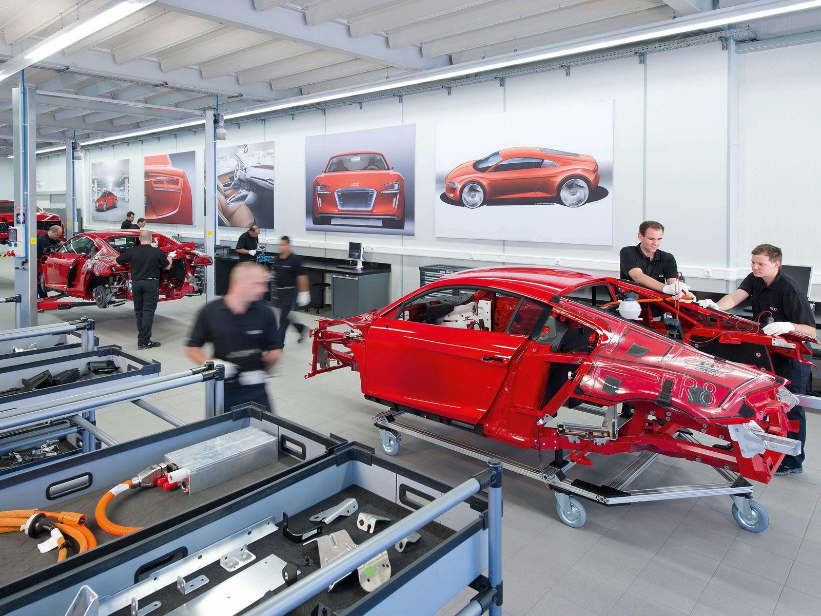 epcp-1105-04-o+audi-r8-e-tron-development-workshop+r8-chassis