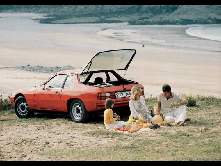 Porsche-924-Period-Photos-Rear-And-Side-1280x960