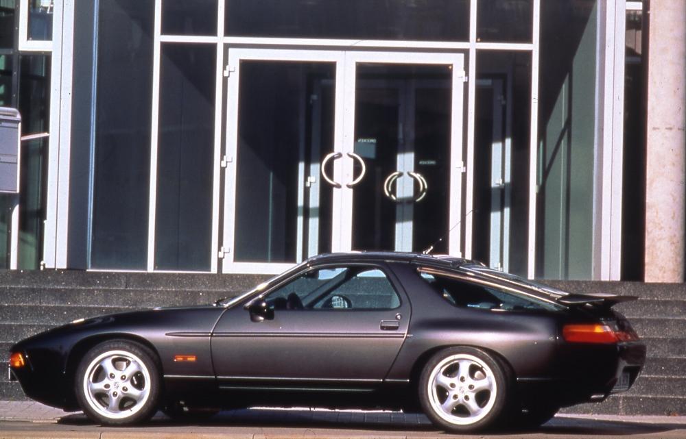 porsche-911-casi-desaparece-anos-ochenta-Porsche-928
