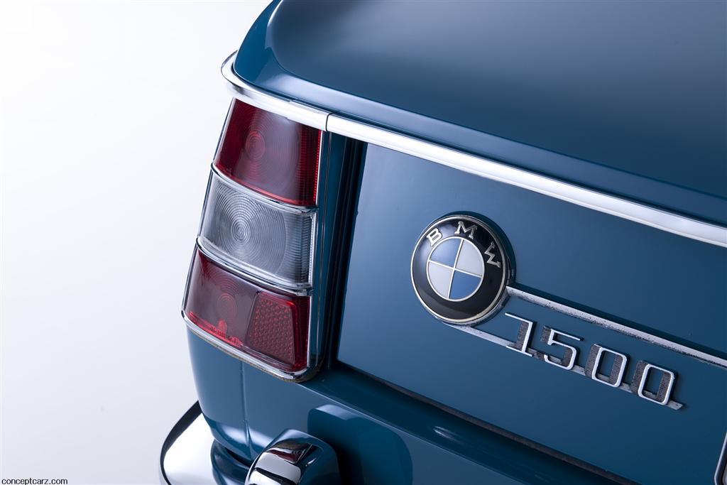 BMW-1500-Sedan-Image-03-1024