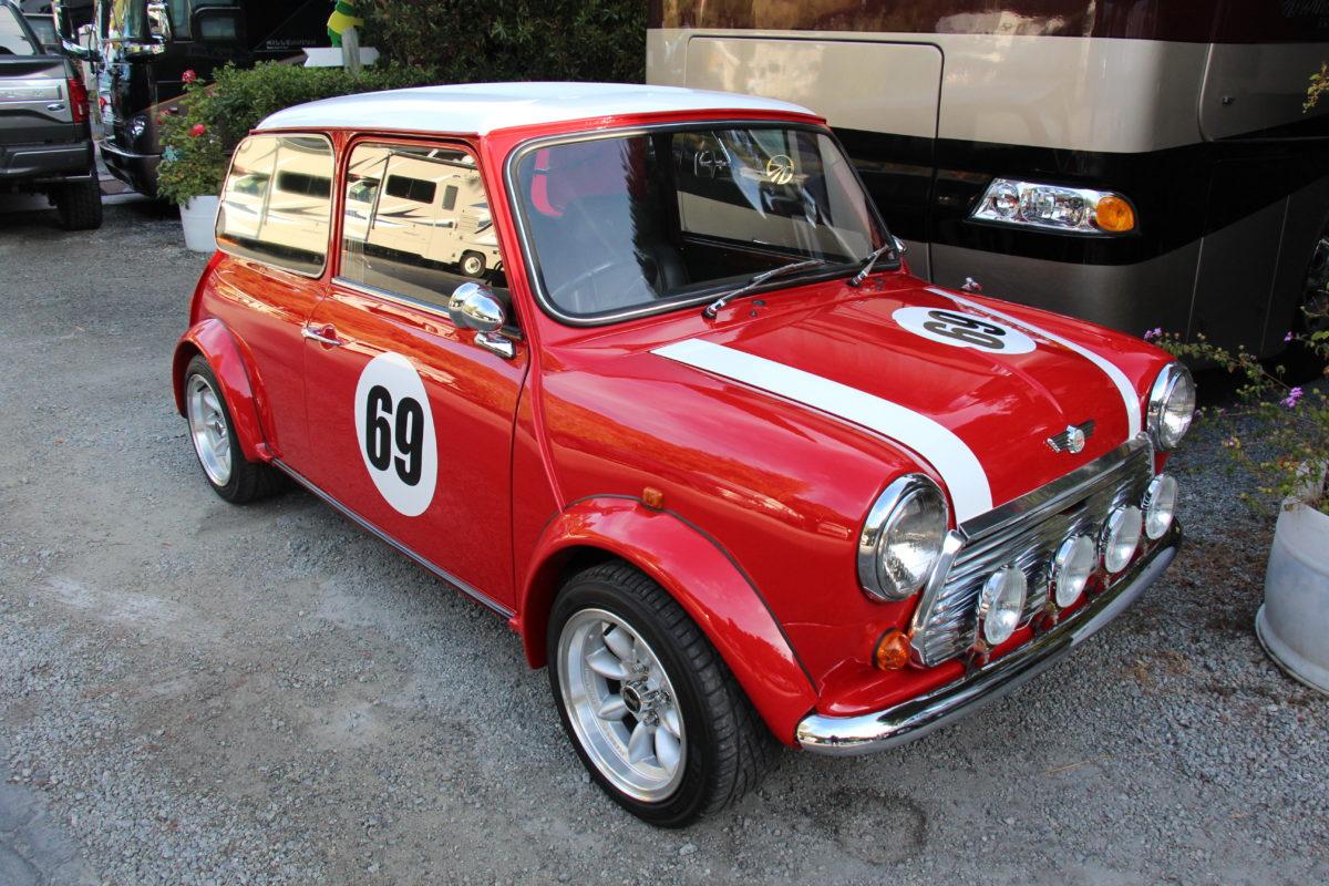 1970_Mini_Cooper_Mk_III_(21860905729)